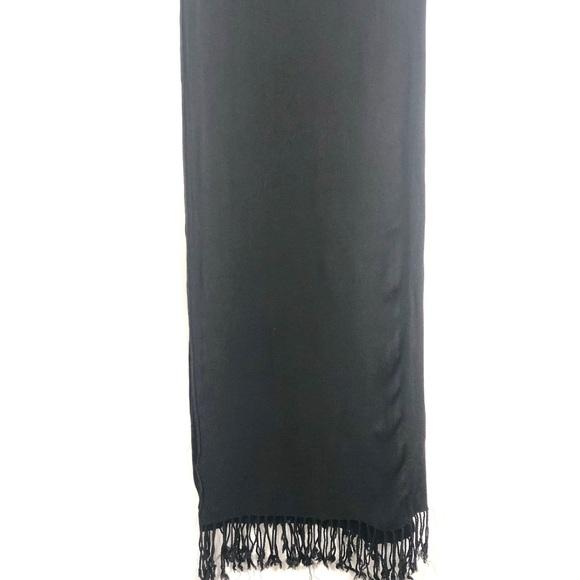 ⭐️ 5/$30- Large Lightweight black scarf 🧣